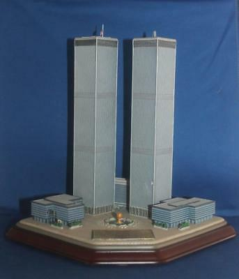 Danbury Mint Twin Towers 9/11 NYC Commemorative Sculpture Building - Flaw
