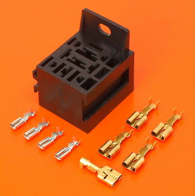 4//5 pin relay base with 3 x built-in standard size blade fuse holders ALT//RELF