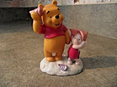"""Disney Winnie The Pooh """"Pooh with Piglet At The Beach""""  Figurine"""