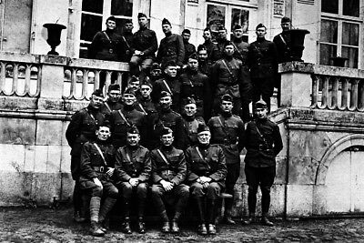New 4x6 World War I Photo: Harry Truman & Officers of the 129th Field Artillery