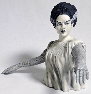 S220. THE BRIDE OF FRANKENSTEIN Black & White Bust Bank by Diamond Select (2013)