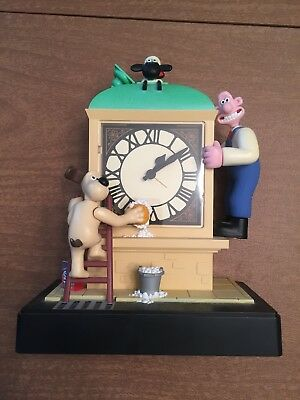 34 - Wallace and Gromit Moving Alarm Clock
