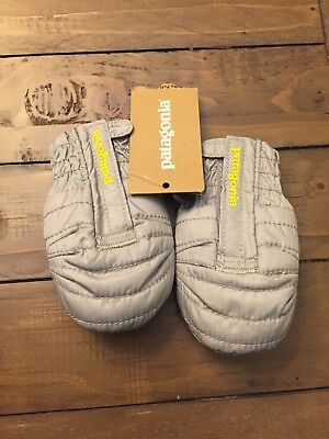 NWT Patagonia Baby Puff Mitts Mittens. Grey Retails for $39.00. Sz 3 6 mo