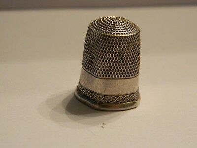 Vintage Sterling Silver Thimble Size 11 Dented 2.9 Grams Unusual Design Simons ?