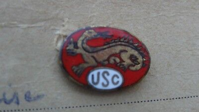 Ancien pin's  football, rugby insigne badge  U S Cognac