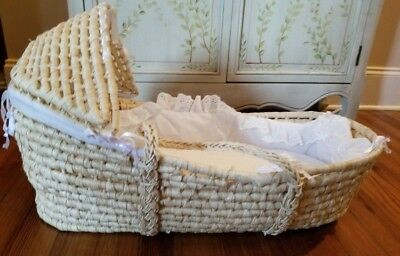 Moses Basket Bassinet Natural Reed Removable Hood, cushion pad, white lace