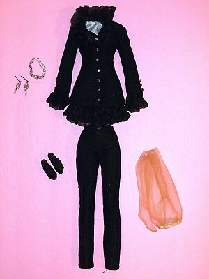 """Tonner - Double Take Tyler Wentworth 16"""" Fashion Doll OUTFIT #2"""