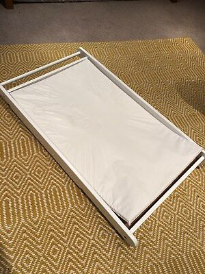 JohnLewis & Partners Cot Top Changer and Changing Mat, White