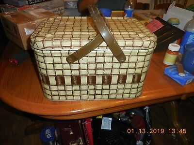 Vintage Faux Wicker Weave Tin Metal Picnic Bread Sewing Basket Lunchbox Mid Cent