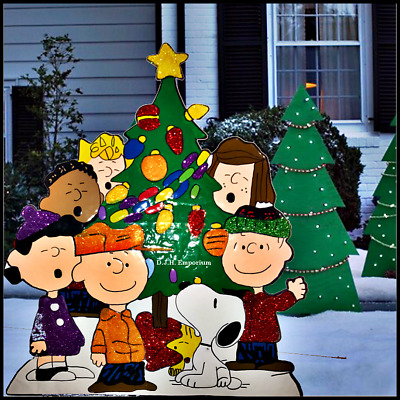 Nostalgic PEANUTS Gang OH CHRISTMAS TREE Glitter Enhanced Metal Outdoor Yard Art