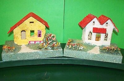 2 Japan Putz Village Houses Corrugated Red Roof, Stucco Look Colorful Landscape