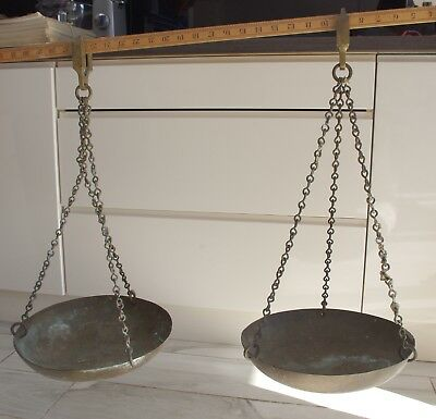 A pair of brass weighing pans/scales on chains  / no stand.
