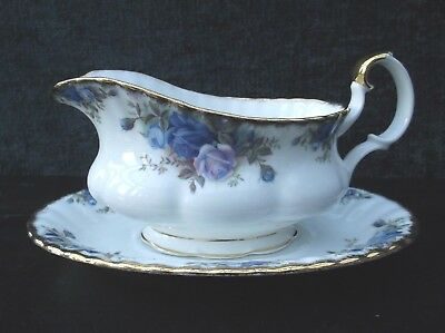 ROYAL ALBERT MOONLIGHT ROSE GRAVY / SAUCE BOAT WITH SAUCER 1st Quality