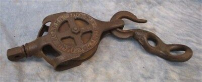 Cast Iron Antique Vintage Pulley Barn Hay Trolley Carrier Rustic Farm Country o