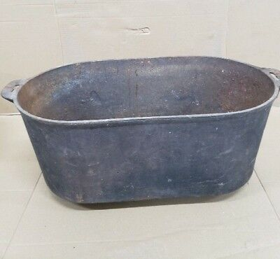 Vintage Large Oval Cast Iron Footed Wash Tub/Pot H8 Mark