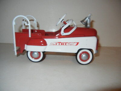 Hallmark Kiddie Car Classics~1955 Murray FIRE TRUCK Pedal Car Mini Toy~MIB!