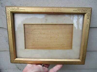 A Small Victorian Gilt Wood Picture Frame c1850/60