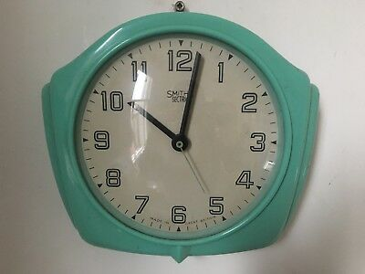 Vintage Smiths Green Bakelite Small Wall Clock Art Deco Battery Converted