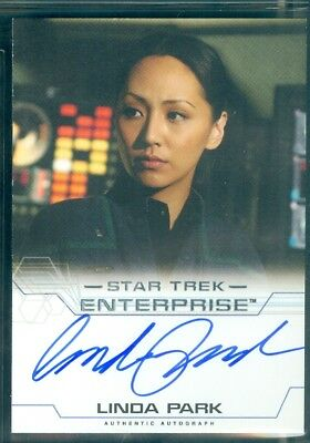 Star Trek Enterprise Season 4  Linda Park as Ensign Hoshi Sato Autograph Card