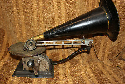 Standard Aa Open Works Disc Phonograph With Horn