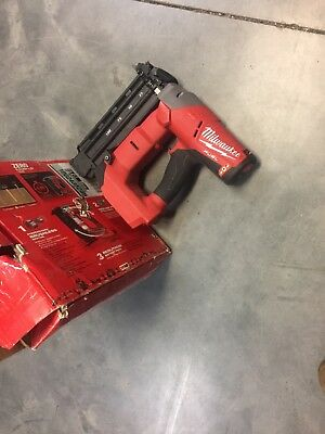 Milwaukee M18 274020 Fuel Brad Nailer