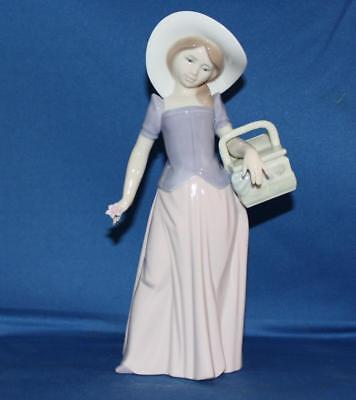 Lladro 6489 Tailor Made Porcelain Figurine Retired 1997 Event Piece