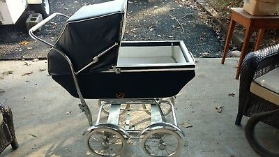 Vintage Wonda Chair baby carriage buggy. NO RESERVE