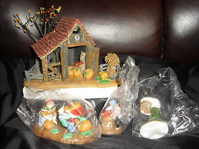 DEPT 56 New England Village It's Almost Thanksgiving Farm Family Harvest