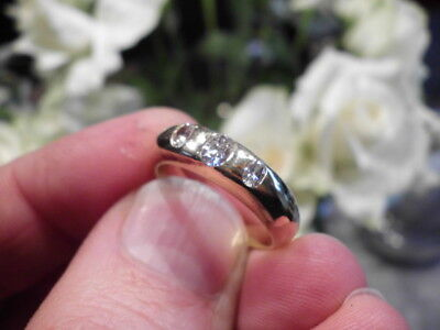2200€ -Brillant 750 Gold 18K Diamantring Ring 3 Diamanten oval 7,3 Gramm 0,6 ct