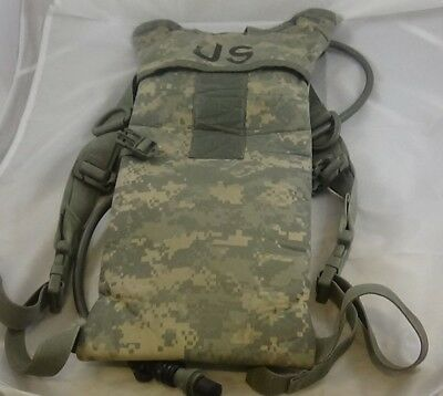 US Military Camouflage Camelbak Hydration System Carrier Backpack W/ Bladder