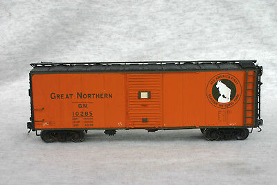 HO InterMountain GN Great Northern 40' Plywood Sided Box Car, GN 10285