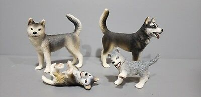 SCHLEICH HUSKY FAMILY DOGS Male Female Puppies Excellent Condition