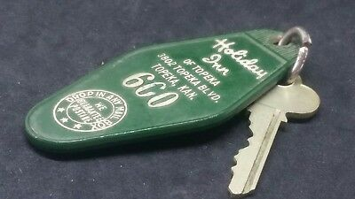Cool Vintage Holiday Inn Motel Hotel 600 Key & Fob Topeka Kansas