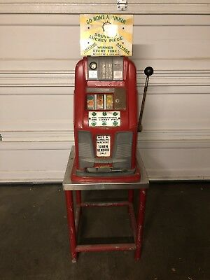 1930s/40s - Antique Slot / Token MACHINE