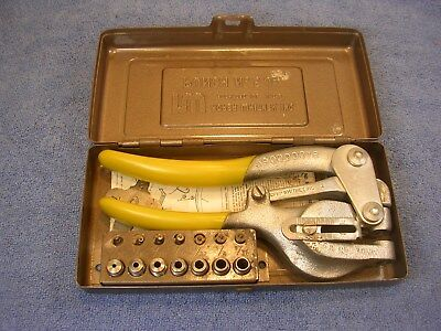 COMPLETE Roper Whitney Company No. 5 Jr Hand Punch with Case and Die Set *NICE*