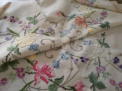 Exquisite Vintage Hand Embroidered Irish Linen Lace Tablecloth ~  Stunning Roses