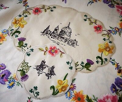 Beautiful Vtg Hand Embroidered Linen Doily Set Tray Cloth - London Great Britain
