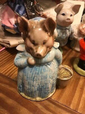 1970 Beatrix Potter's Aunt Pettitoes China Figurine Beswick England Excellent