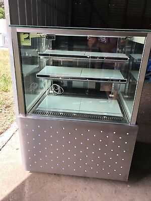 CAKE FOOD DISPLAY REFRIGERATION Not Working Needs Fan For It To Work.