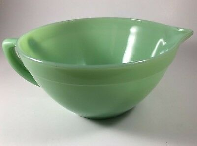 Fire King Jadeite Green Vintage Mixing Batter Bowl With Handle & Pouring Spout