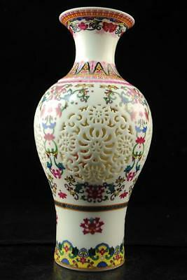 Chinese antique Jingdezhen famille rose porcelain bird and flower vase e01