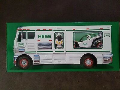 2018 Holiday Hess Toy Truck Mint in box