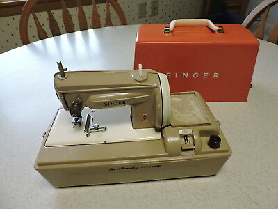 Singer Sewhandy Electric Sewing Machine In Case Great Britain Works Toy 1960's