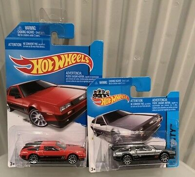 Hot Wheels Hw City 81 Delorean DMC-12 2X Red & Grey