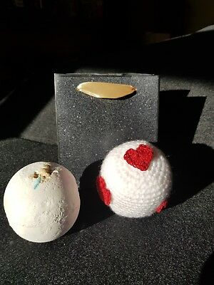 **Handcrafted cover with LUSH bath bomb, for a special Valentine**