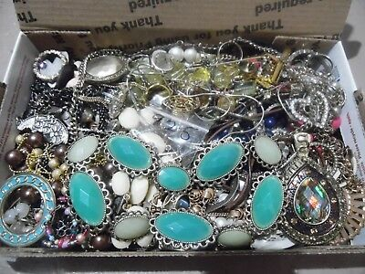 UNSEARCHED vintage/now junk jewelry lot lbs wear,repair,craft lot 5912