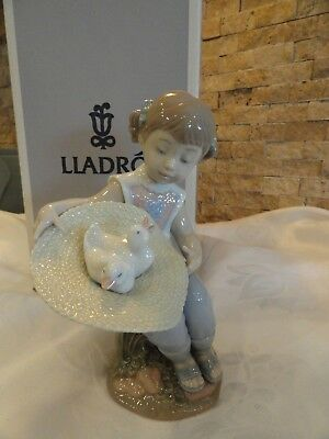 Lladro What A Surprise! Figurine #6759 – NEW With Original Box