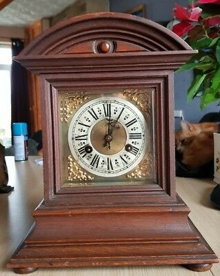 Vintage Mahogany Junghans German striking mantel clock, B05 movement, working