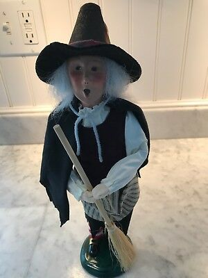 BYERS CHOICE HALLOWEEN WITCH w/broom CAROLER Chalfont, PA