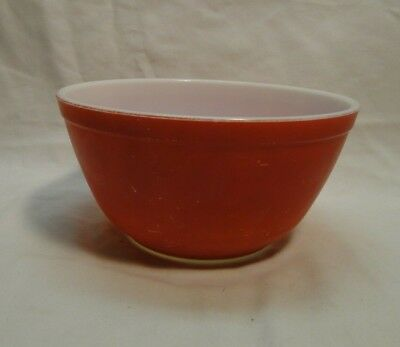 Vintage Pyrex Mixing Bowl - Red - 402 - B-56